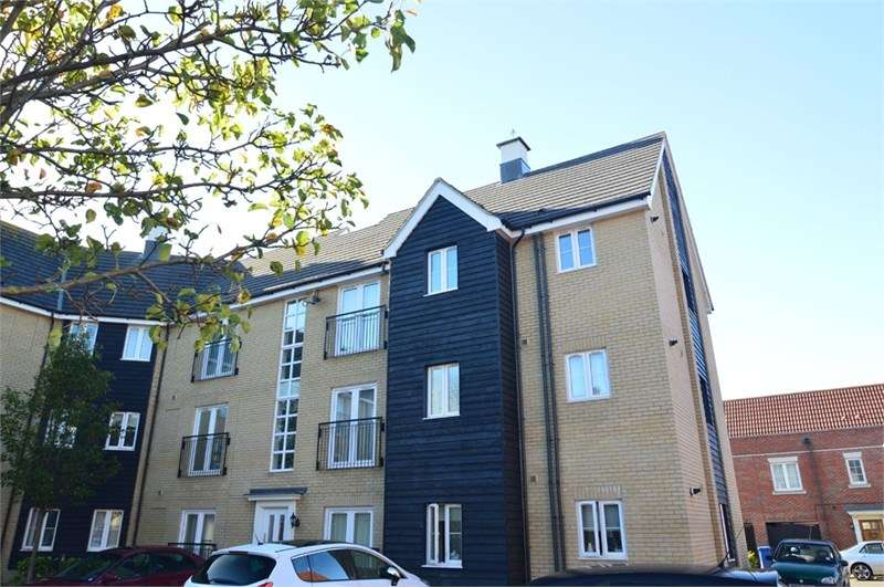 2 Bedrooms Flat for sale in Tayberry Close, Red Lodge, IP28