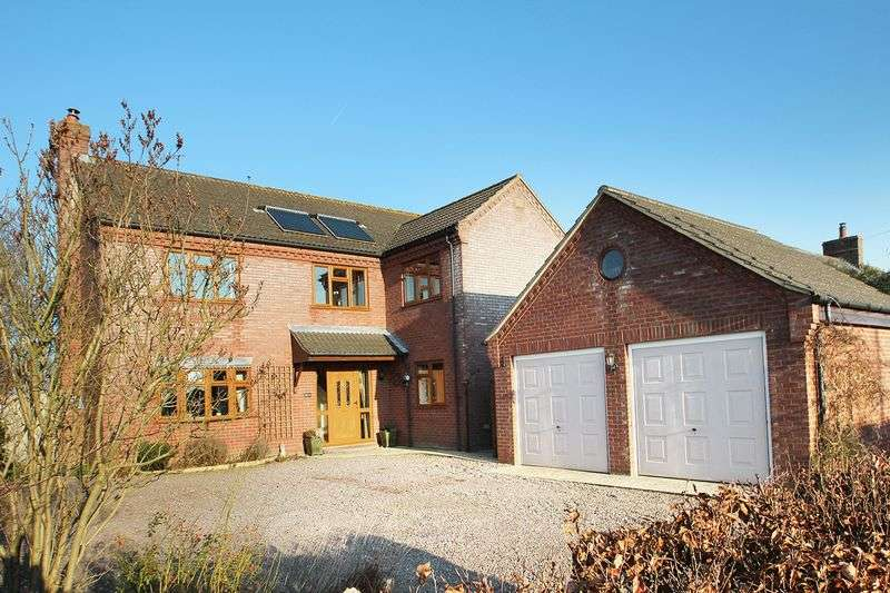 4 Bedrooms Detached House for sale in Freethorpe, NR13