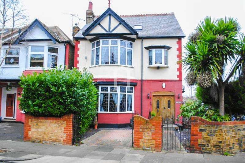 5 Bedrooms Detached House for sale in Eastwood Lane South, Westcliff-On-Sea, Essex, SS0