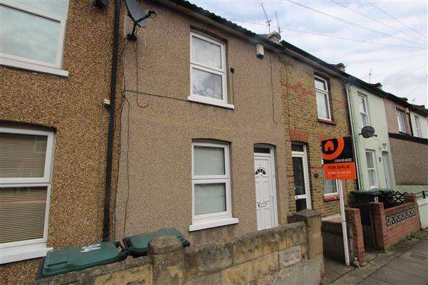 2 Bedrooms Terraced House for sale in Nelson Road, Northfleet