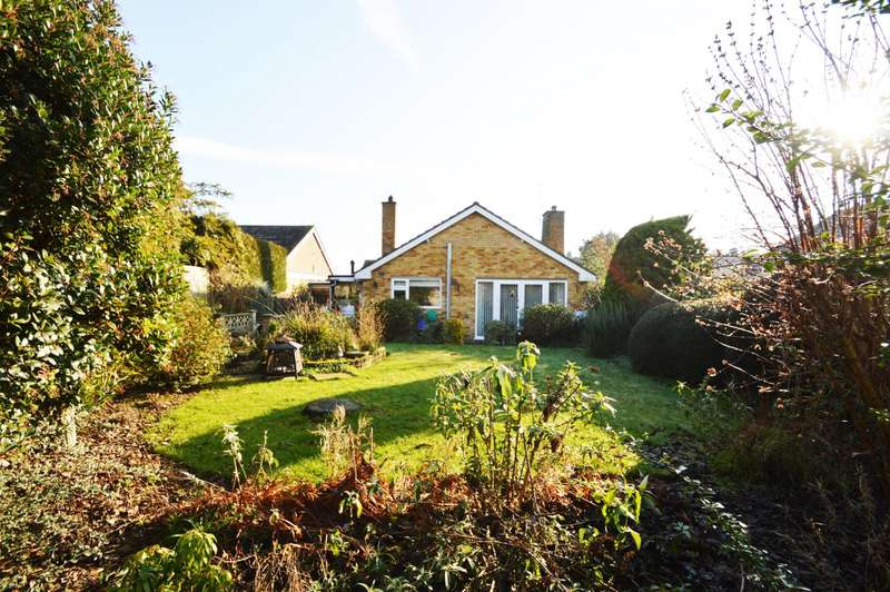 3 Bedrooms Detached Bungalow for sale in Fir Tree Avenue, Wallingford, OX10