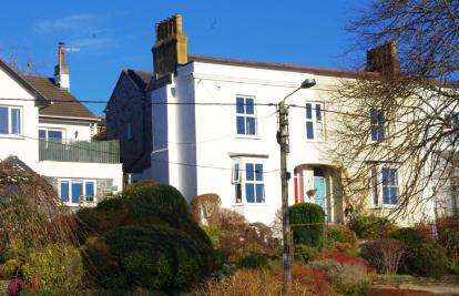 4 Bedrooms Town House for sale in Wadebridge, Cornwall, .
