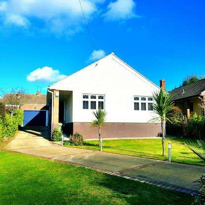 Bungalow for sale in Rayleigh, Essex, Uk