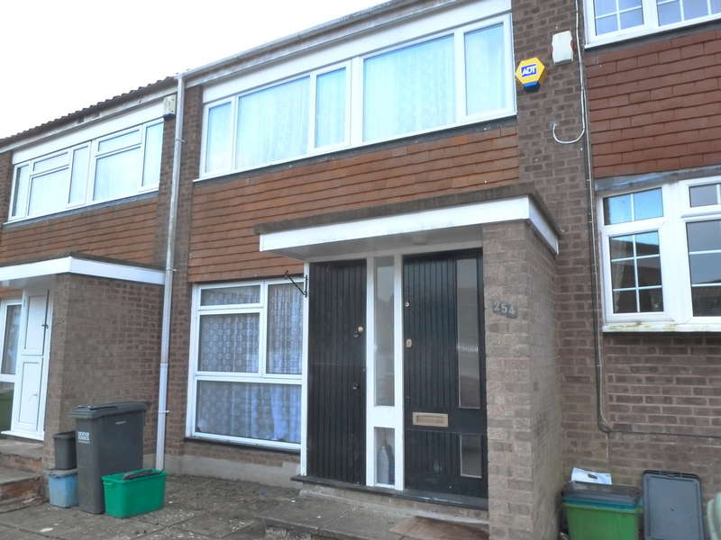 3 Bedrooms Terraced House for sale in Markfield, Court Wood Lane, Forestdale, CR0 9HW