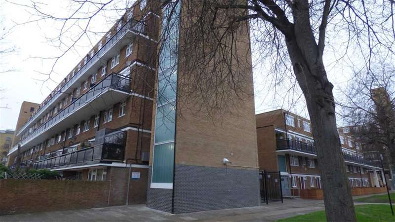 3 Bedrooms Maisonette Flat for sale in Layard Square, London