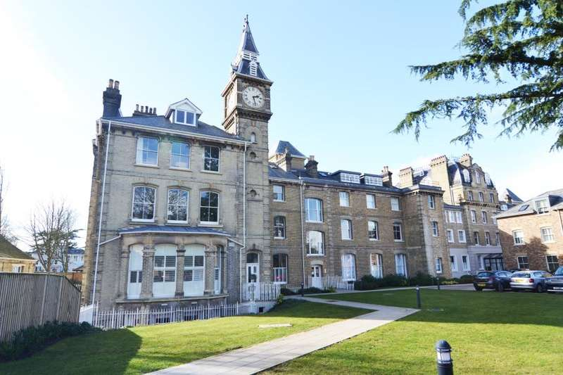 2 Bedrooms Flat for sale in Langdon Park, Teddington, TW11