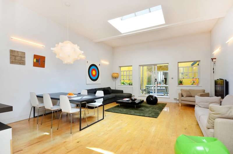 2 Bedrooms Flat for sale in The Strand, Covent Garden, WC2R