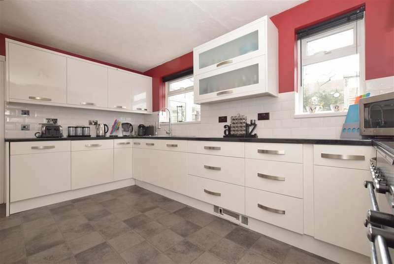 4 Bedrooms Detached House for sale in Anvil Close, Waterlooville, Hampshire