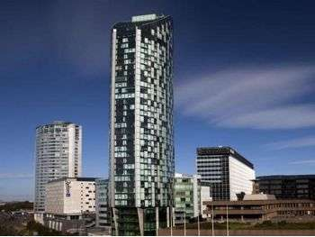 2 Bedrooms Apartment Flat for sale in West Tower, City Centre, Liverpool