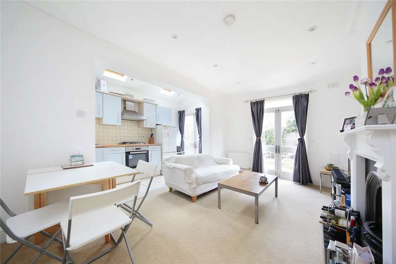 2 Bedrooms Flat for sale in Honeybrook Road, Ground Floor Flat, Clapham South, London, SW12
