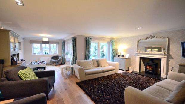 4 Bedrooms Detached House for sale in Oakley Gardens, Maidenhead, Berkshire