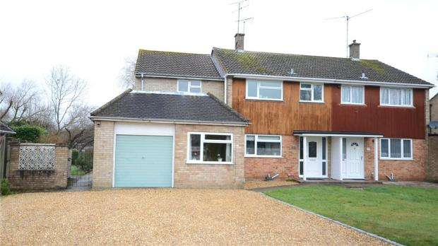 4 Bedrooms Semi Detached House for sale in Clifton Road, Wokingham, Berkshire