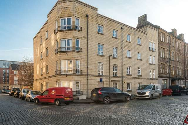 1 Bedroom Flat for sale in Cadiz Street, Leith, Edinburgh, EH6 7BH