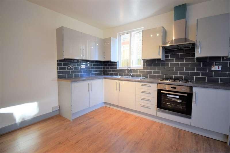 2 Bedrooms Maisonette Flat for sale in Hythe Road, Thornton Heath, Surrey