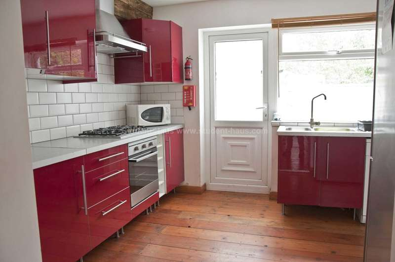 6 Bedrooms House for rent in Exbury Street, Manchester