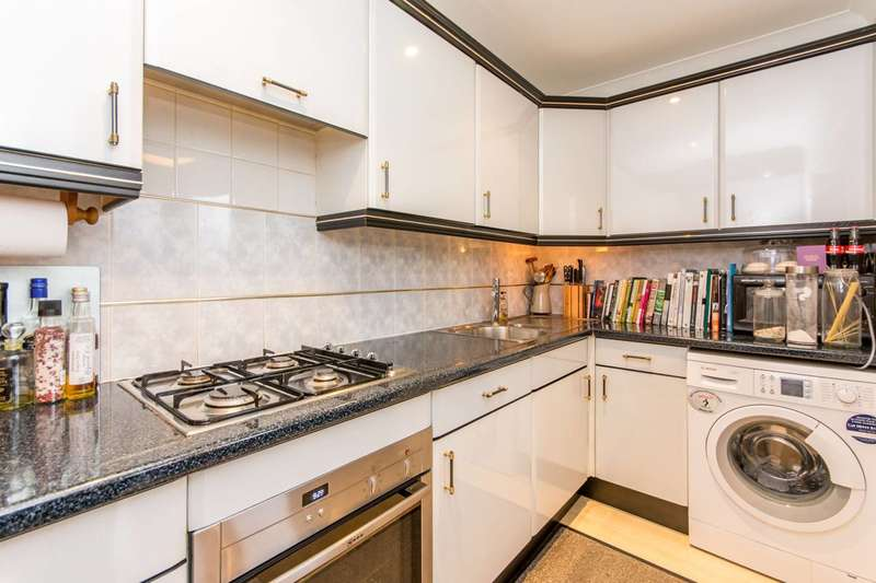 3 Bedrooms Flat for sale in Mowbray Road, Brondesbury, NW6