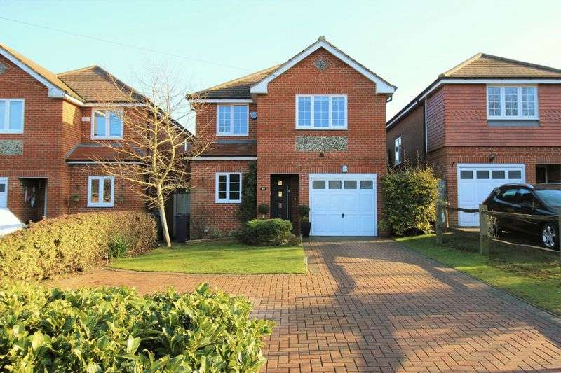 4 Bedrooms Detached House for sale in Lower Kingswood