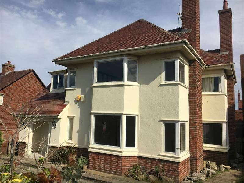 4 Bedrooms Detached House for sale in Sandgate, Lytham St Annes, FY8