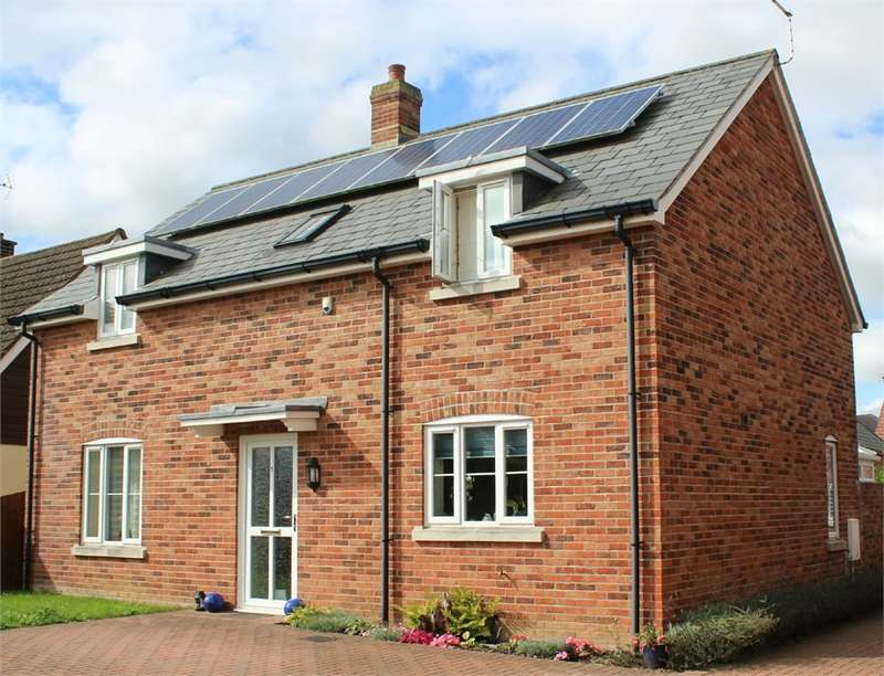 3 Bedrooms Detached House for sale in Shepherds Close, Wool, Wareham