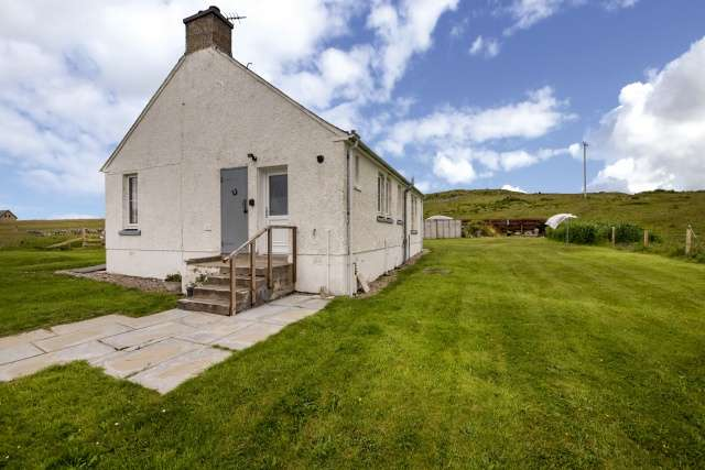 2 Bedrooms Bungalow for sale in Bothy, Armadale, Thurso, Highland, KW14 7SA