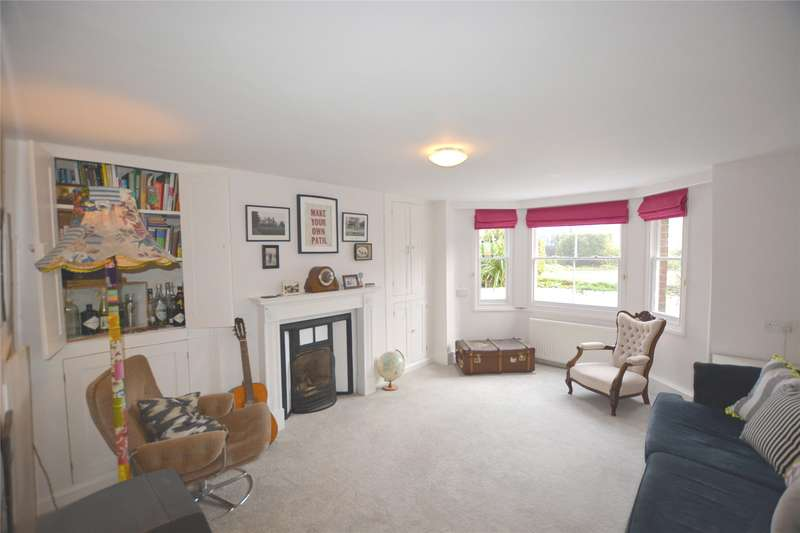 2 Bedrooms Flat for sale in New Street, Lymington, Hampshire, SO41