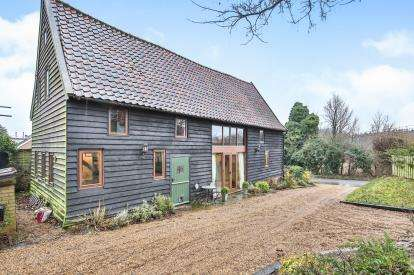3 Bedrooms Barn Conversion Character Property for sale in Hapton, Norwich, Norfolk