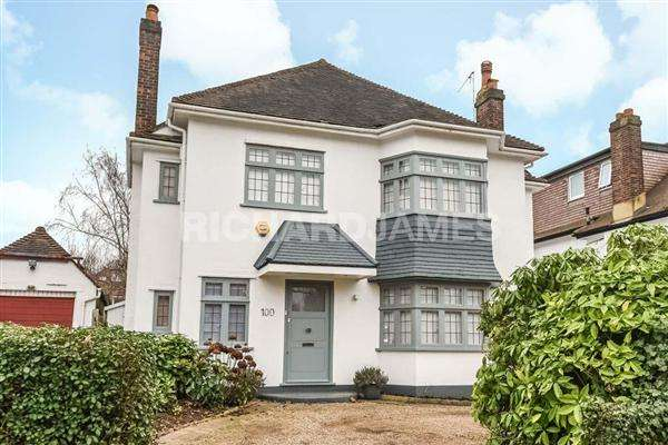 5 Bedrooms Detached House for sale in Millway, London