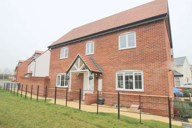 4 Bedrooms Detached House for sale in Badgers Way, Stratford-Upon-Avon