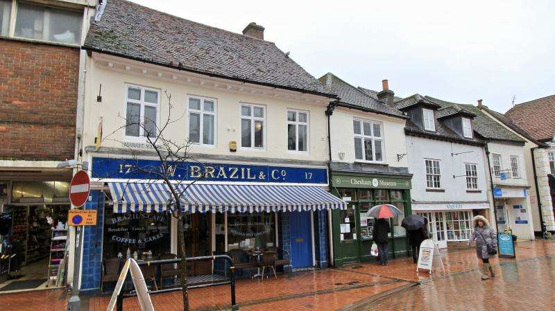 2 Bedrooms Flat for rent in Market Square, Chesham HP5