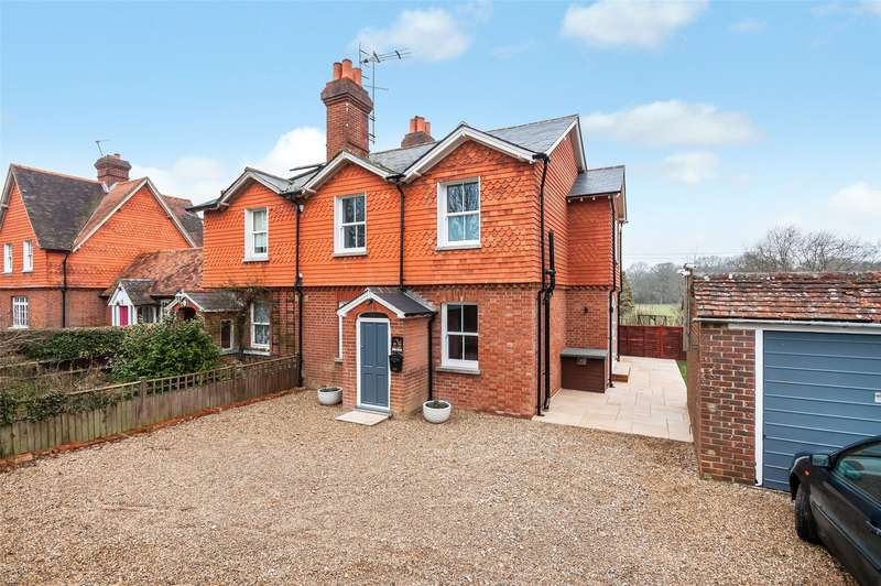 3 Bedrooms Semi Detached House for sale in Red Lodge Cottages, Ryersh Lane, Capel, Dorking, RH5