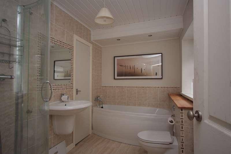 3 Bedrooms Terraced House for sale in The Avenue, Pontygwaith, Ferndale