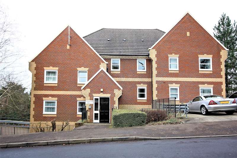 2 Bedrooms Apartment Flat for sale in Beacon Hill, Woking, Surrey, GU21