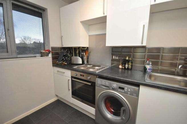 1 Bedroom Flat for sale in Daniel Close, London, SW17