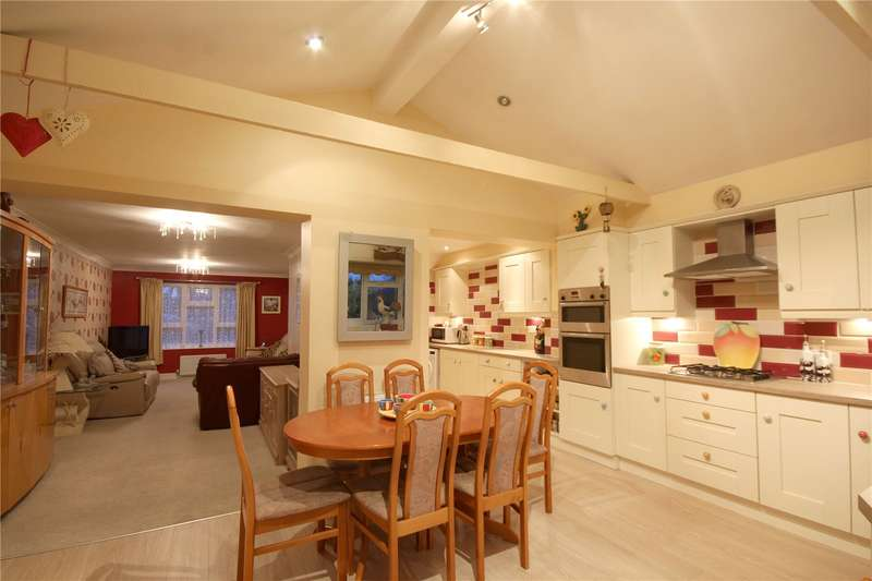 2 Bedrooms Terraced House for sale in Weatherall Close, Addlestone, Surrey, KT15