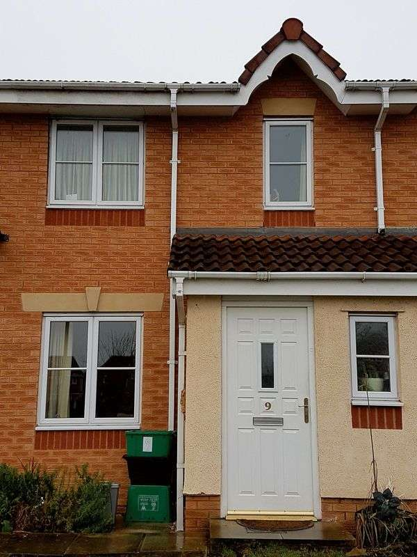 3 Bedrooms Terraced House for sale in Fishguard Close, Wrexham