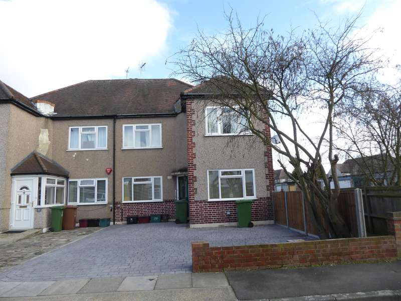 2 Bedrooms Ground Maisonette Flat for sale in Stanhope Road , Bexleyheath, Kent , DA7 4PU