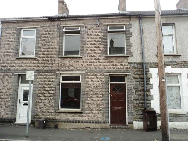 3 Bedrooms Terraced House for sale in Diamond Street, Roath, Cardiff