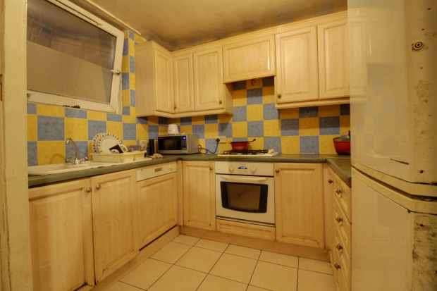 1 Bedroom Flat for sale in Tomlins Orchard, Barking, Essex, IG11 7LR