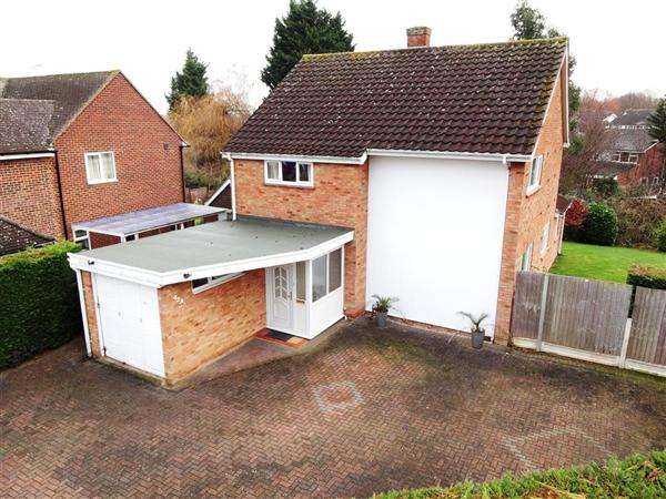 4 Bedrooms Detached House for sale in 42A Tabors Avenue, Great Baddow