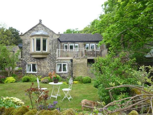 3 Bedrooms Detached House for sale in Holme Bottom, New Mill, HOLMFIRTH, West Yorkshire