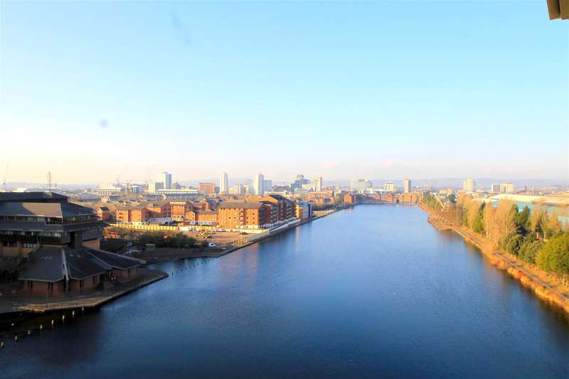 2 Bedrooms Apartment Flat for sale in The Water Quarter, Cardiff Bay