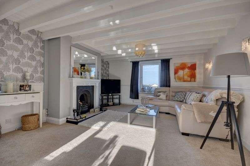 3 Bedrooms Semi Detached House for sale in Low Hawsker