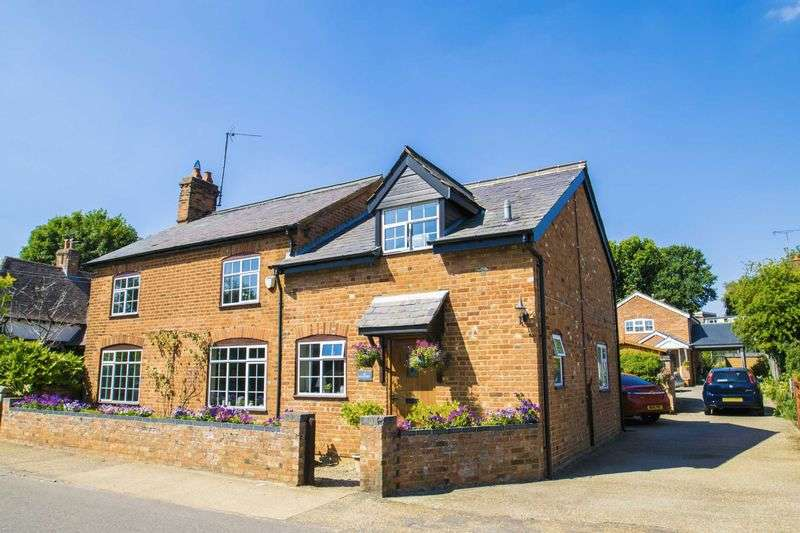 4 Bedrooms Detached House for sale in High Street, Clophill