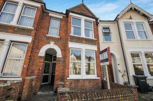 3 Bedrooms Terraced House for sale in Lanier Road, Hither Green, Lewisham, London