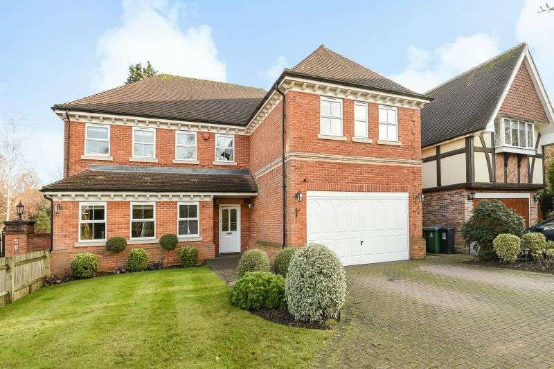 5 Bedrooms Detached House for sale in Green Lane, Watford, Hertfordshire