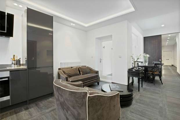 2 Bedrooms Flat for sale in Horn Lane, Acton