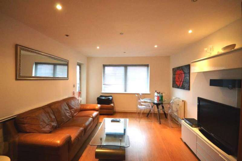 2 Bedrooms Apartment Flat for sale in Newport Avenue, Blackwall
