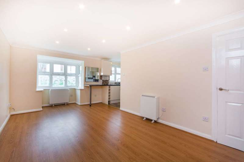 2 Bedrooms Flat for sale in Nottingham Road, South Croydon, CR2