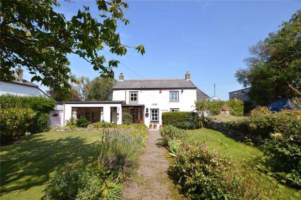 3 Bedrooms Detached House for sale in Basset Road, Treleigh, Redruth, Cornwall