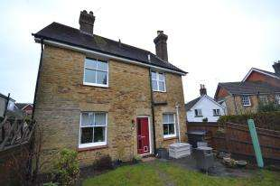 2 Bedrooms Maisonette Flat for sale in Horsted Lodge, Church Road, Crowborough, East Sussex